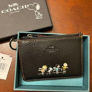Coach x Peanut Snoopy ID card case